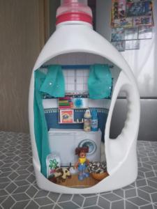 дом из бутылки к конкурсу поделок